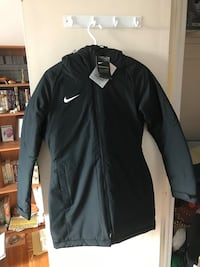 NIKE Winter Jacket for Girls and Women size Small brand new Montréal, H4G 2S9