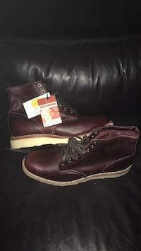 Pair of brown leather boots Торонто, M6M 2E5