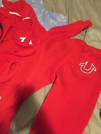 red and white Nike pullover hoodie Laval, H7N 3C7
