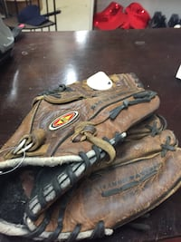 Eastern brokein ball glove Conway, 72032