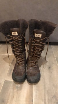 UGG Leather Women's Boots size 6  Vaughan, L4J 9J1