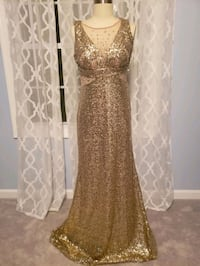 Long Gold Gown Size 6  Springfield, 22152