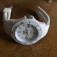 Ice Watch's Unisex Sili Collection Watch 43 km