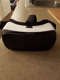 Samsung VR Headset - like new barely used