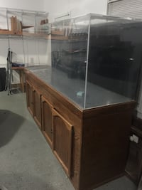 300 gallon fish tank and accessories  Russell, 41169