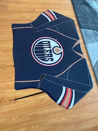 Oilers laptop/eating table