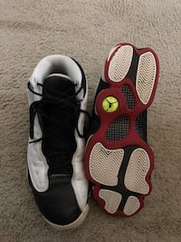 Pair of black-and-white nike shoes Alexandria, 22303