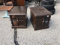 2 vintage fixer upper end tables Waukesha, 53186