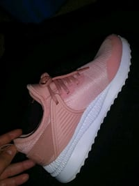 pair of pink Nike Air Max shoes Houston, 77068