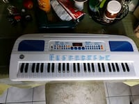 white and blue electronic keyboard Vaughan, L6A 2Y3