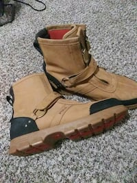 pair of brown Timberland work boots Oklahoma City, 73112