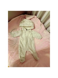 Baby gap light grey suit 0-3 months Toronto, M3N 1S1