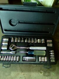 silver steel ratchet wrench set Cambridge, N3C 3B7