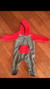 North face Toddler's red and gray fleece Montréal, H2S