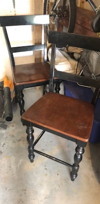 2 sturdy counter height chairs Springfield, 22152