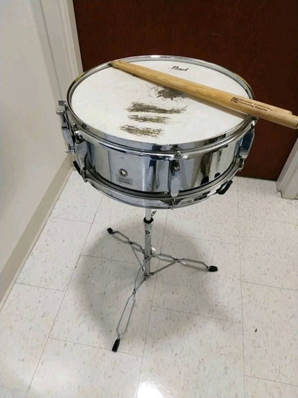 used snare drum for sale in richmond letgo. Black Bedroom Furniture Sets. Home Design Ideas