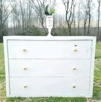 LARGE FARMSTYLE CHEST/DRESSER/TV STAND