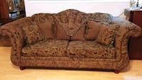 brown and black floral loveseat Floresville, 78114