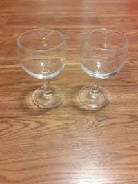 two clear drinking wine glasses Bolivia, 28422