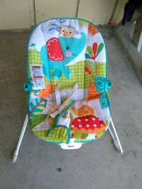 baby's blue and green bouncer Bakersfield, 93306