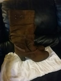 pair of brown leather boots Calgary, T2B 0E5