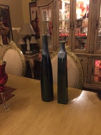 Two beautiful vases make me a offer thanks