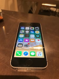 Iphone SE 32gb Unlocked  Toronto, M9C