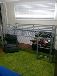 Loft bed for toddler Conroe