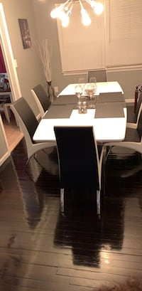 dining room table and chairs Sayreville, 08872