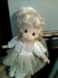 white and pink dressed doll Warr Acres, 73122