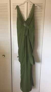 Vera Wang size 4 dress with added brooch Falls Church, 22043