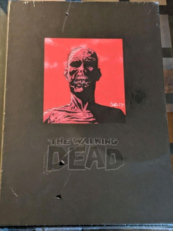 The Walking Dead Vol 1 Deluxe Hardcover Omnibus a6235042-a6b6-4851-9afc-f2618ab59df4