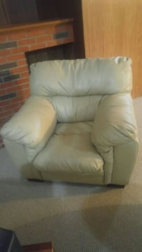 gray leather recliner sofa chair Edmonton, T5A 1V3