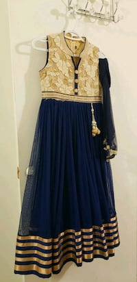 women's blue and gold long-sleeved dress 544 km