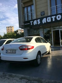 2012 Renault Fluence Parseller