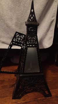Two foot metal Eiffel Tower candle holder Washington, 20019