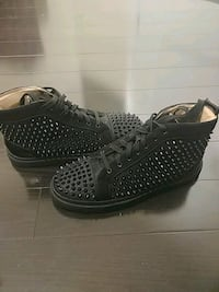 Size 11 Men's studded shoes (NEW) Vaughan
