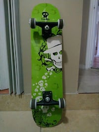 green and white skateboard deck Pembroke Pines, 33025
