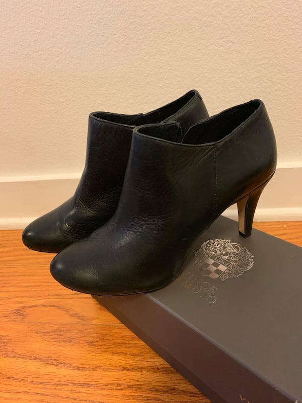 Vince Camuto Black Booties In Size 5.5 like new aa07cbd3-b316-487e-b56d-e4be8a69cc2c