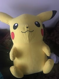 Picachu for seal is a nice to have now is a colección large size
