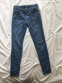 Medium wash jeans Lethbridge, T1J 1M7