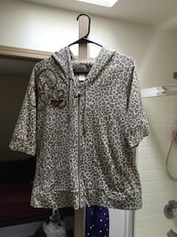 gray and black leopard print button-up shirt Federal Way, 98003