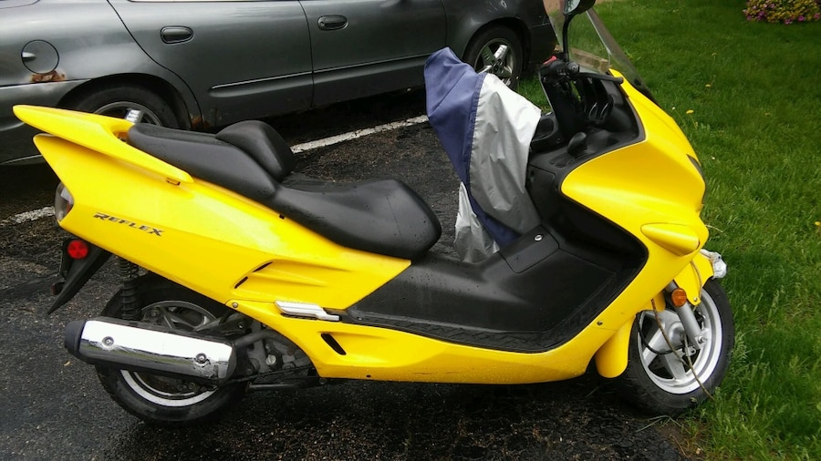 Yellow motor scooter in rochester letgo for Rochester department of motor vehicles