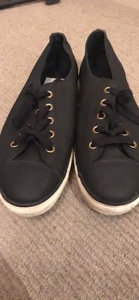 Pair of black leather converse sneakers Salford, M7 4WP
