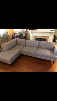 Cute sectional from Wayfair! $500  New Orleans, 70119