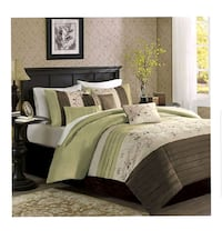 BRAND NEW 6PC King Bedset