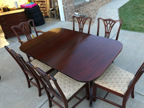 1945 Mahogany Dining Table And 6 Chairs