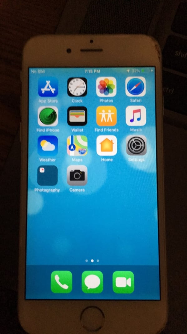 IPHONE 6.   Works great. Some wear and tear   a15caf9e-40cd-49a6-becd-c80118b63867