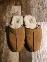 Ugg slippers Size 7&1/2 Eau Claire, 54703