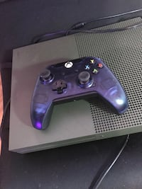 XBox One X 1tb limited edition green with one wired controller  Central Islip, 11722